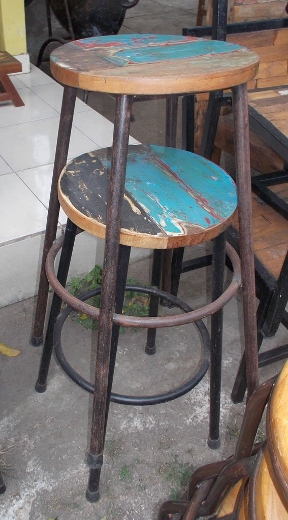 Wooden Stool GMV-5639