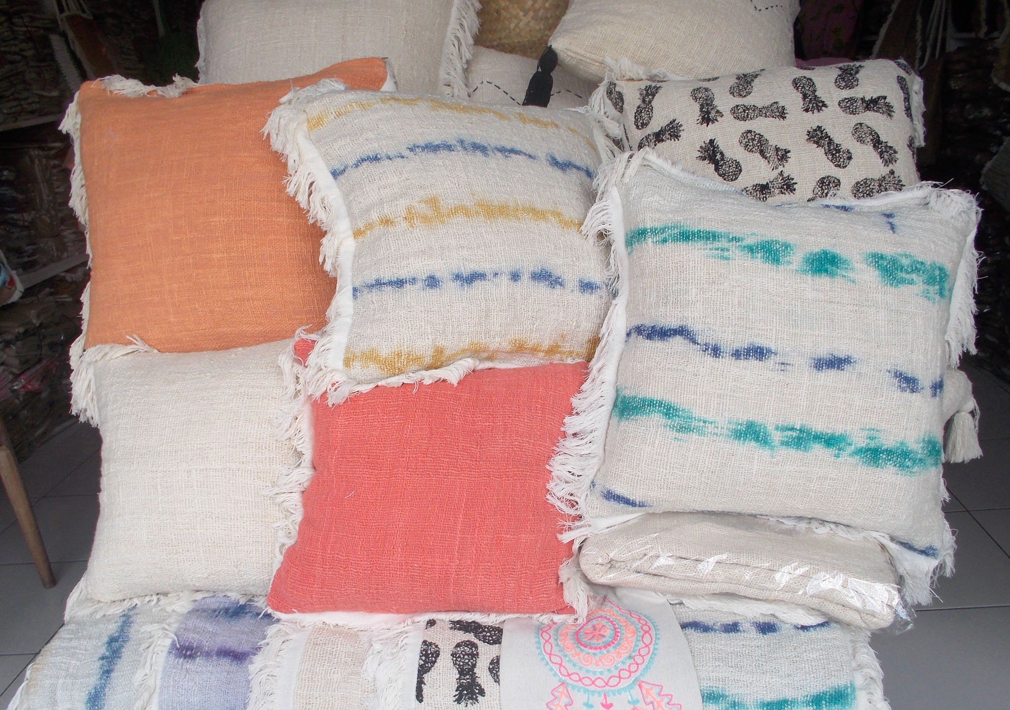 Cushion With Dacron Filler – CUS-2970C 1