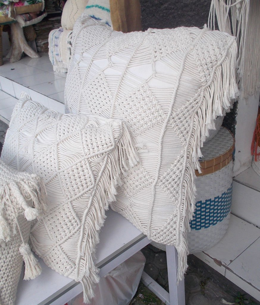 Cushion With Dacron Filler – CUS-2972B 1
